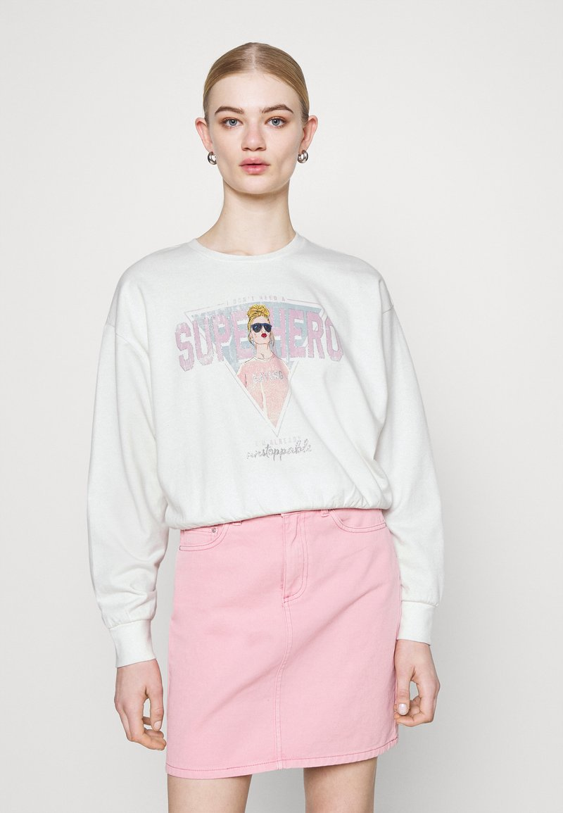 ONLY - ONLLUCINDA LIFE SHORT GIRLS BOX - Sweatshirt - cloud dancer/superhero