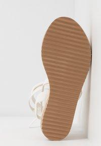 Koi Footwear - VEGAN FAN - Platform sandals - white - 6