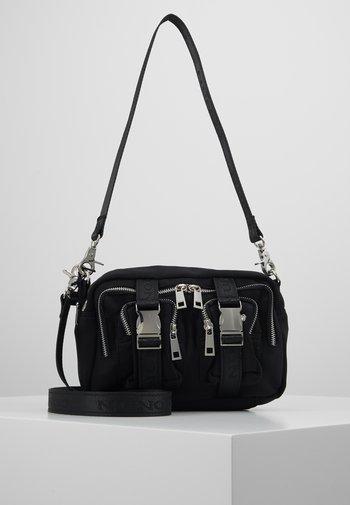 ELLIE - Across body bag - black