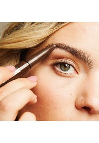 Maybelline New York - BROW EXTENSIONS - Eyebrow pencil - 6 deep brown - 5