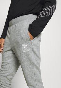Puma - REBEL PANTS BLOCK - Pantalon de survêtement - medium gray heather - 5