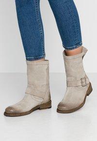 Felmini - GREDO - Cowboy/biker ankle boot - pardo - 0