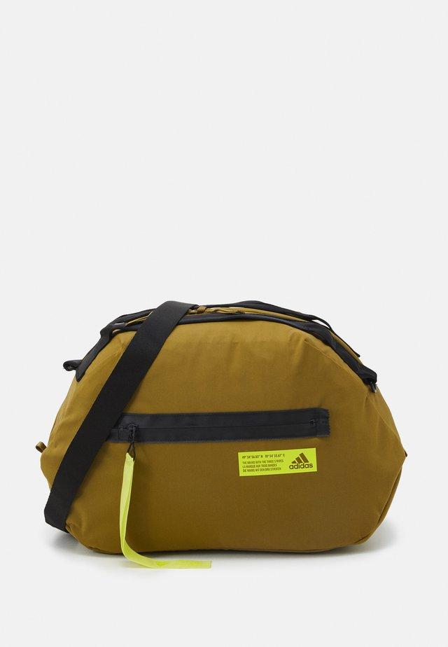 FAV DUFFEL BAG - Sporttas - wild moss/acid yellow