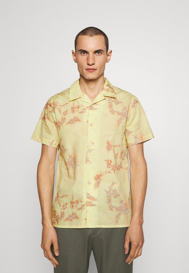 CASUALFIT - Shirt - yellow/pink