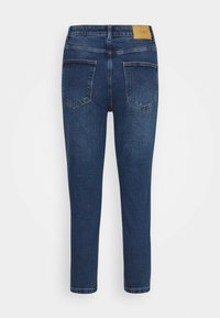 Vero Moda Petite - VMJOANA MOM - Slim fit jeans - medium blue denim - 6