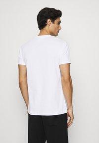 KARL LAGERFELD - CREW NECK UNDERSHIRT 2 PACK - Undershirt - white - 2