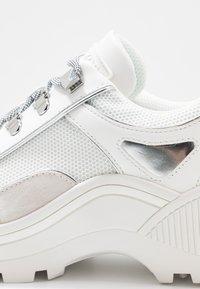 MICHAEL Michael Kors - BROOKE LACE UP - Sneakers - optic white - 2