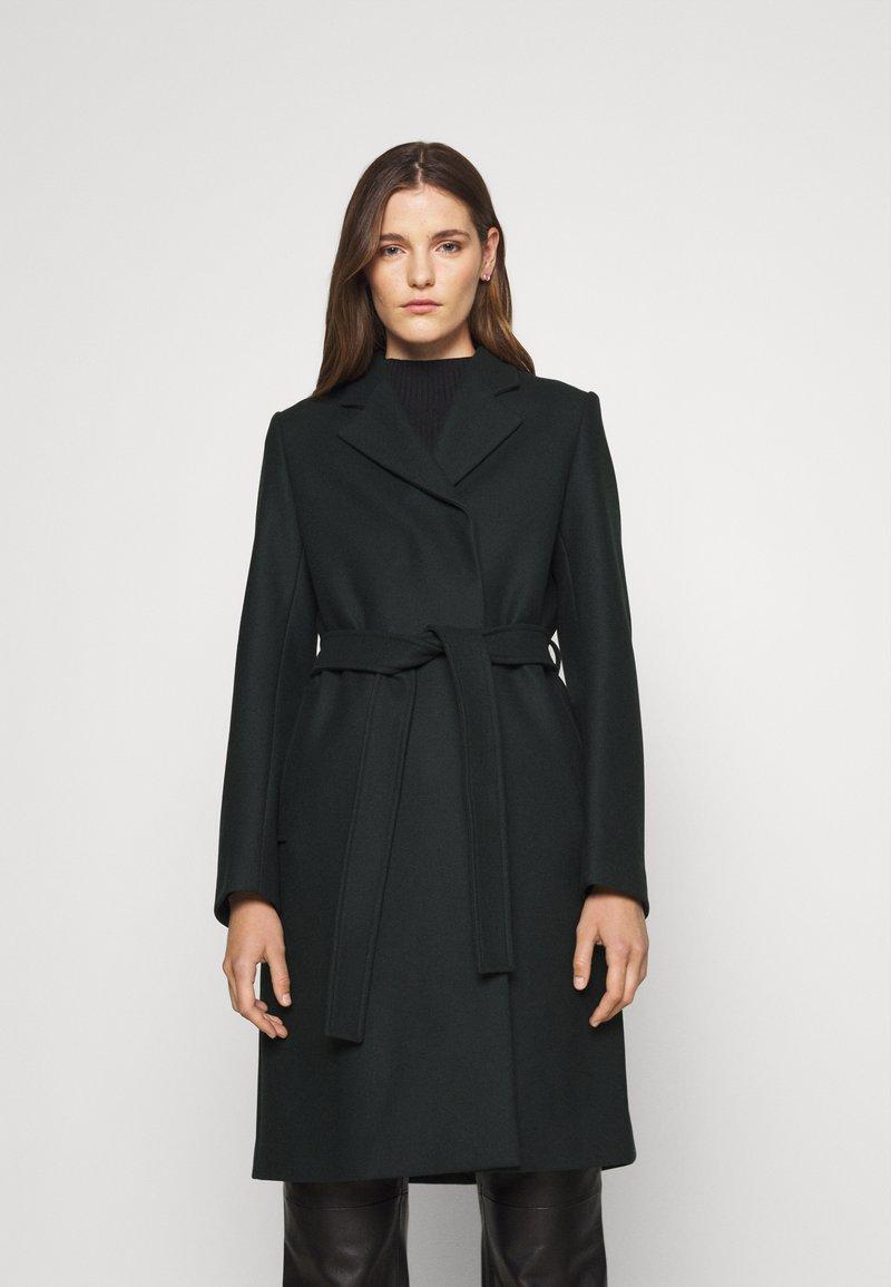 Filippa K - KAYA COAT - Klasický kabát - dark spruc