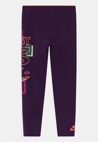 Nike Sportswear - PRINTED - Legíny - grand purple - 1