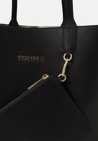 Tommy Hilfiger - ICONIC TOTE SET - Shopping bag - black - 4