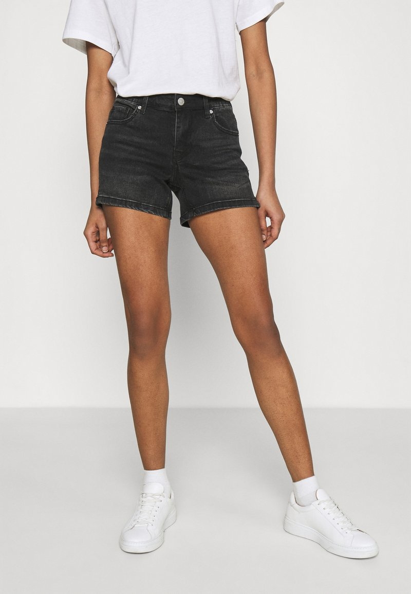 Vero Moda - VMLYDIA - Szorty jeansowe - black