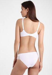 Triumph - AMOURETTE CHARM  - T-shirt bra - white - 2