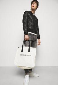 Emporio Armani - SET UNISEX - Tote bag - white - 0