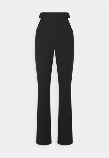 CUT OUT STRAIGHT LEG TROUSER