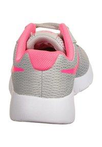 Nike Sportswear - TANJUN SNEAKER KINDER - Zapatillas - grey fog/digital pink/white - 3