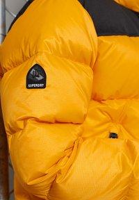 Superdry - Down jacket - explorer yellow - 2