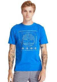 Timberland - KENNEBEC RIVER PUFF EFFECT GRAPHIC - Print T-shirt - nautical blue - 0