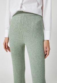 PULL&BEAR - Pantaloni - green - 3