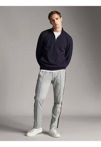 Massimo Dutti - Sweatshirts - dark blue - 1