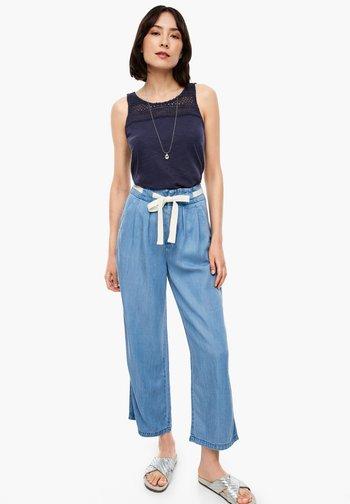 REGULAR FIT: CULOTTE AUS LYOCELL - Straight leg jeans - light blue