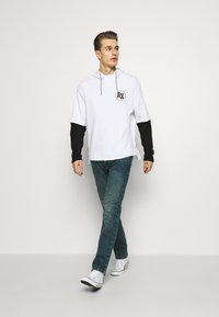 Armani Exchange - Hoodie - white/black - 1