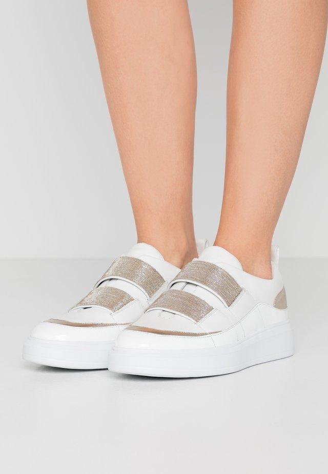 CHAIN  - Trainers - white/platinum