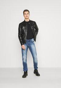 Mustang - OREGON - Straight leg jeans - denim blue - 1