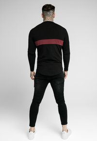 SIKSILK - CUT & SEW TEE - Langarmshirt - black/wine - 2