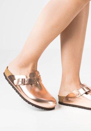BOSTON - Slippers - metallic copper