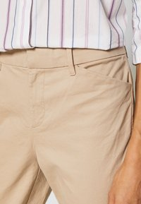 GAP - Chinot - beige - 4