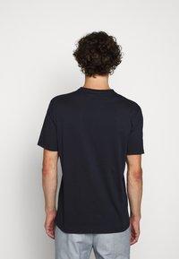 HUGO - DOLIVE - Print T-shirt - dark blue - 2