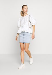 Monki - MELINA BLOUSE - Blouse - white - 1