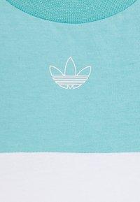 adidas Originals - PANEL TEE - Camiseta estampada - turquoise - 3