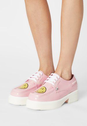 SMILE - Lace-ups - pink
