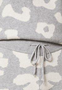 Never Fully Dressed - COPENHAGEN RESERVE TROUSER - Teplákové kalhoty - grey - 4