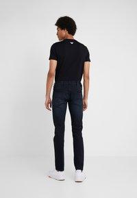 Emporio Armani - Jeans slim fit - denim blu - 2