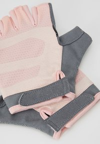 Casall - EXERCISE GLOVE - Rukavice bez prstů - lucky pink/grey - 4