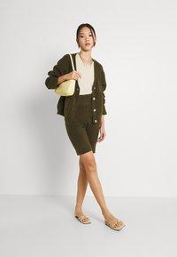 Fashion Union - RITA CARDI - Kofta - khaki - 1