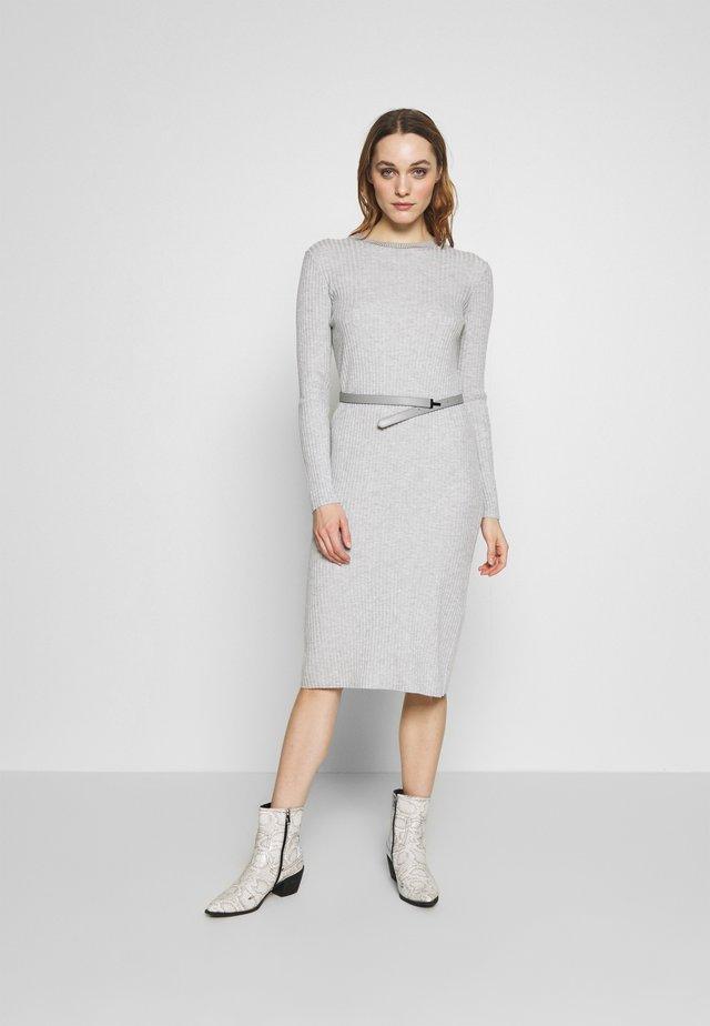 GJESSI - Gebreide jurk - grey