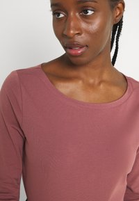 ONLY - ONLFIFI BOATNECK BOX  - Long sleeved top - rose brown - 4