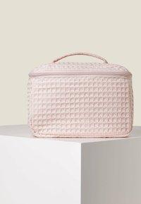 OYSHO - Kosmetická taška - rose - 1