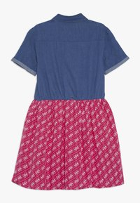 Guess - JUNIOR MIXED FABRIC SLEEVES DRESS - Denim dress - vintage dark blue - 1
