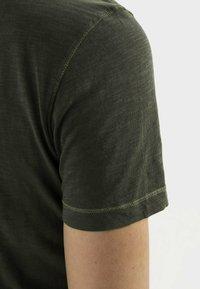 camel active - Basic T-shirt - leaf green - 4