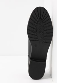 Dorothy Perkins - LITTY LOAFER - Scarpe senza lacci - black - 6