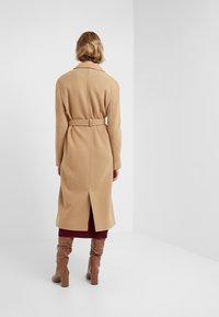 STUDIO ID - JENNIFER COAT - Zimní kabát - camel - 2