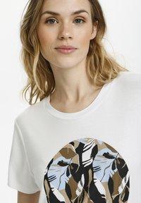 Kaffe - KAKISA - Print T-shirt - optical white - 2
