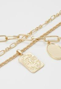 Pieces - PCNAMO COMBI NECKLACE - Necklace - gold-coloured - 5