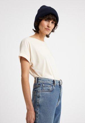 IDAA  - Basic T-shirt - undyed
