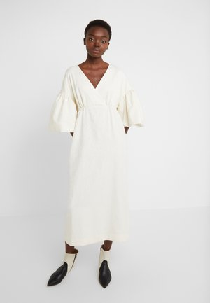 VNECK DRESS WITH PUFF SLEEVE - Robe de cocktail - ivory