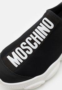 MOSCHINO - UNISEX - Slip-ons - black - 5